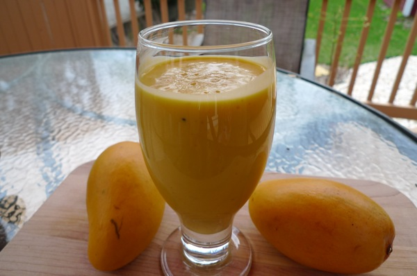 mango-lassi-with-cardamom